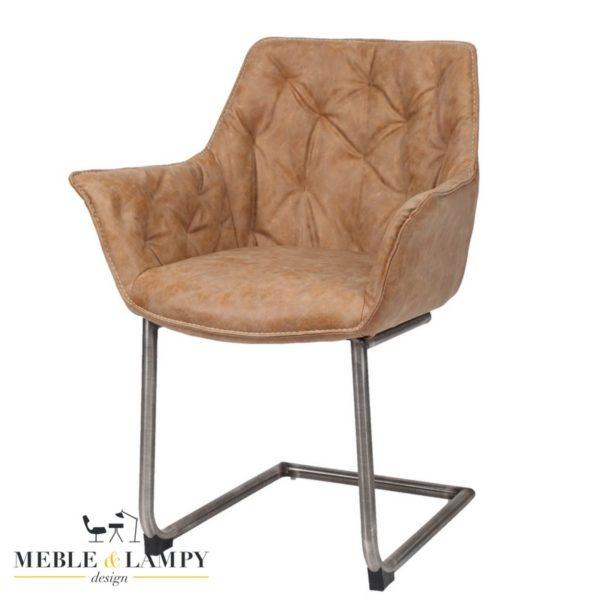 Krzesło/Fotel WING na płozie RVS - cow texas brąz, jest to model wykonany z myślą o naszych domownikach aby mogli długo i przyjemnie siedzieć przy stole. Idealny dla całej rodziny, stabilny i bezpieczny.